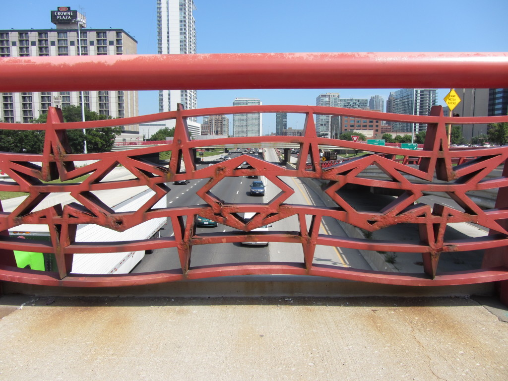 Star-shaped detailing over a freeway in downtown Chicago